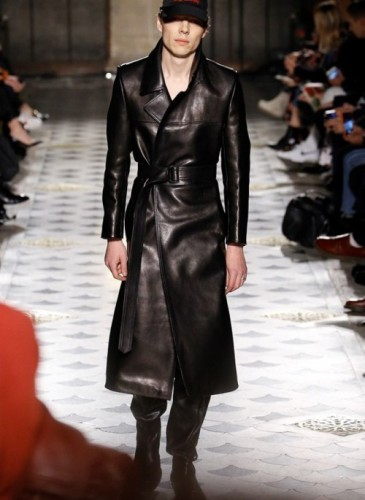 vetements-2016-fall-winter-collection-26