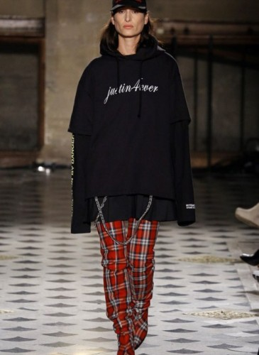 vetements-2016-fall-winter-collection-28
