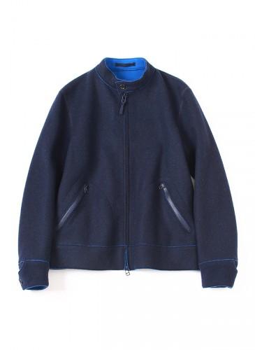 45R黑色彈性休閒外套,NT$28,680。(女款)