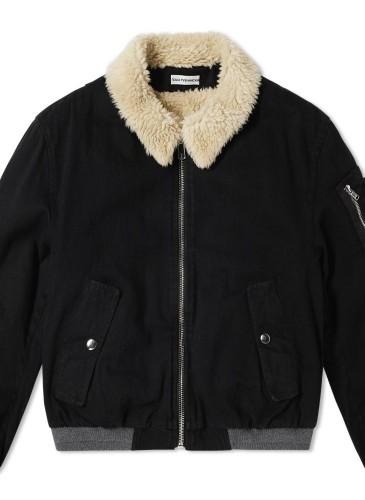 Gosha Rubchinskiy軍風飾毛領外套,NT$25,000。(團團精品)