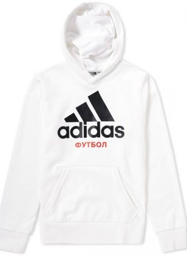 Gosha Rubchinskiy × adidas聯名白色Logo帽Tee,NT$6,500。(團團精品)