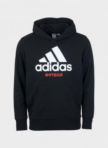Gosha Rubchinskiy × adidas聯名黑色Logo帽Tee,NT$6,500。(團團精品)