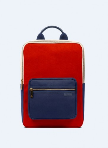 LUNIFORM N°7台灣限定特殊色小背包,推薦價NT$30,000。