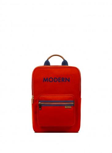 LUNIFORM N°7小背包,推薦價NT$23,500。