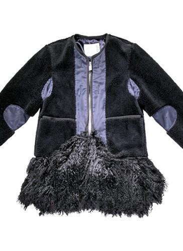 Sacai 黑色飾毛海下襬拼接夹克,NT$74,500。(團團精品)