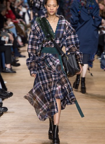 Sacai FW17 Runway - 24 (Photo Credit by Vogue.com)