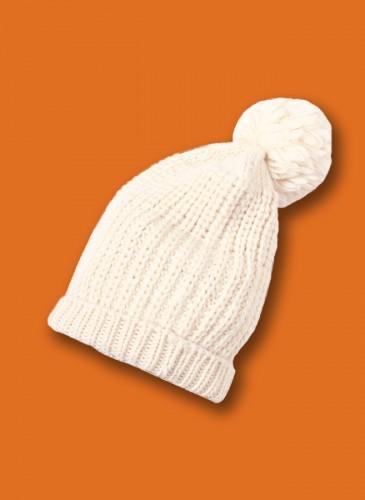 45R白色毛帽,NT$12,580。橘
