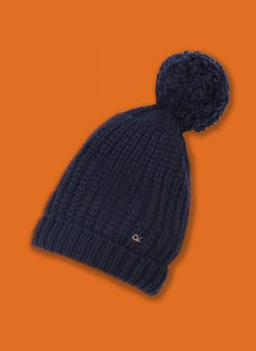 45R黑色毛帽,NT$12,580。橘