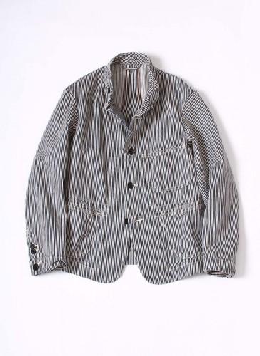 45R灰色直紋襯衫式外套,NT$26,680。