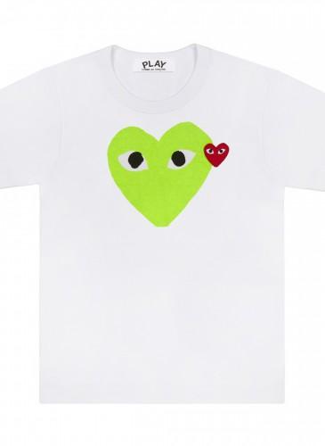 COMME des GARÇONS PLAY 系列粉嫩綠色雙愛心T恤,NT$3,500。(團團精品)(男女款)