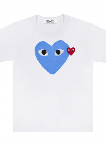 COMME des GARÇONS PLAY 系列粉嫩藍色雙愛心T恤,NT$3,500。(團團精品)(男女款)