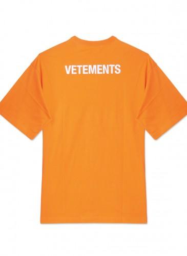 Vetements橘色Staff Tee,NT$12,800。(團團精品) - 反面