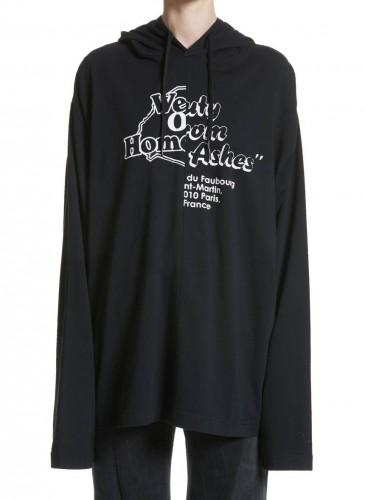 Vetements黑色印刷圖騰帽Tee,NT$25,800。(團團精品) - 2
