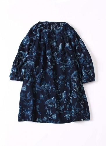 45R原創手繪花鳥柄深藍色洋裝,NT$26,980。