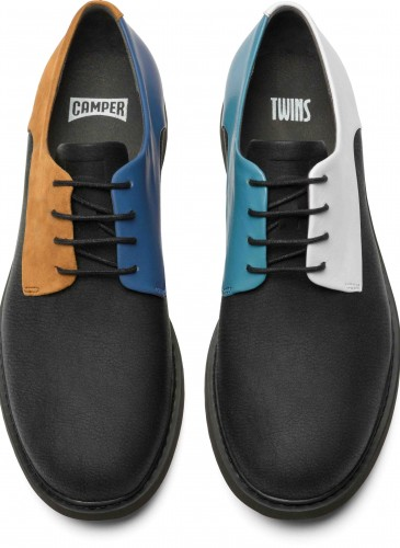 CAMPER TWINS系列黑白藍黃配色休閒皮鞋,NT$8,680。(男款)_正面