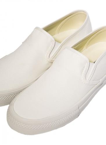 Junya Watanabe Man 2018春夏白色休閒鞋,NT$11,200。(團團精品) - 斜側面