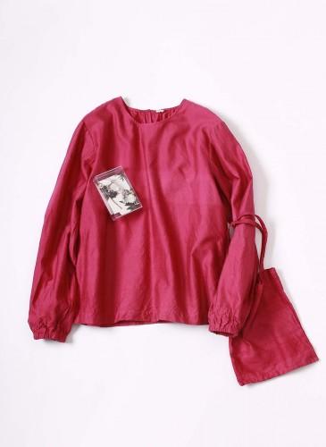 45R 2018春季歲時記「石斛蘭」裝飾罩衫, NT$25,880。