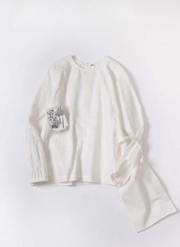 45R 2018春季歲時記「節分草」裝飾罩衫, NT$25,880。