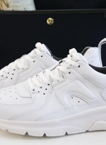 CAMPER Drift白色運動休閒鞋,NT$8,280。(男女款) 形象圖