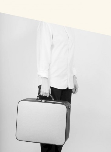 LUNIFORM No°40 手提可肩揹行李箱,NT$138,000。(形象圖-2)
