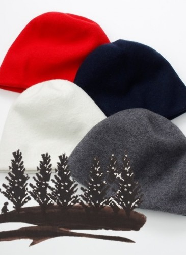 45R素色毛氈帽,各NT$9,200。