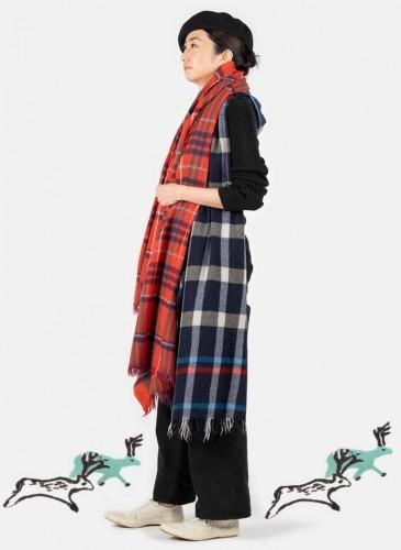 45R縮絨圍巾與披肩系列,各NT$10,800。-3