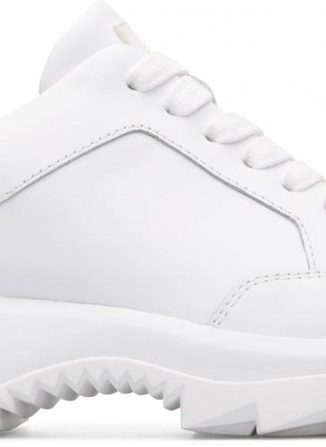 Camper Helix系列白色休閒鞋,NT$9,880。(男女鞋)
