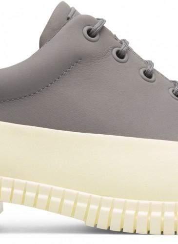 Camper Pix系列白灰拼色休閒鞋,NT$7,280。(男鞋)