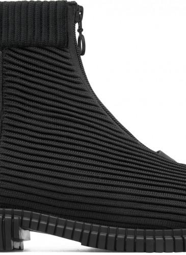 Camper Pix系列黑色伸縮布高筒靴,NT$6,980。(男女鞋)