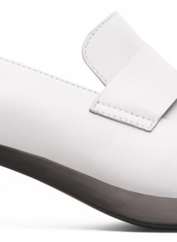 Camper Tricha系列黑白配色寬跟鞋,NT$7,280。(女鞋)