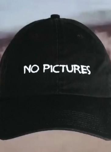 NASASEASONS「NO PICTURES」標語老帽,NT$4,000。(團團TEEMARKET)