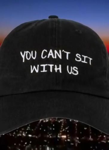 NASASEASONS「YOU CANT SIT WITH US」標語老帽,NT$4,000。(團團TEEMARKET)