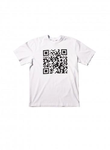 VETEMENTS白色印QRCODE T恤,NT$9,500。(團團TEEMARKET)