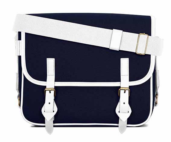 LUNIFORM No.43白×海軍藍色色側背包,NT$28,000。-1