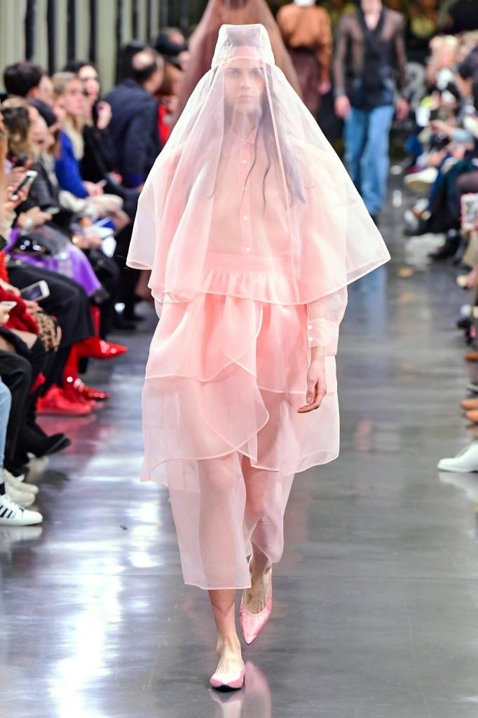 KIMHEKIM粉色紗裙,NT$18,500。(團團微風南山限定商品)