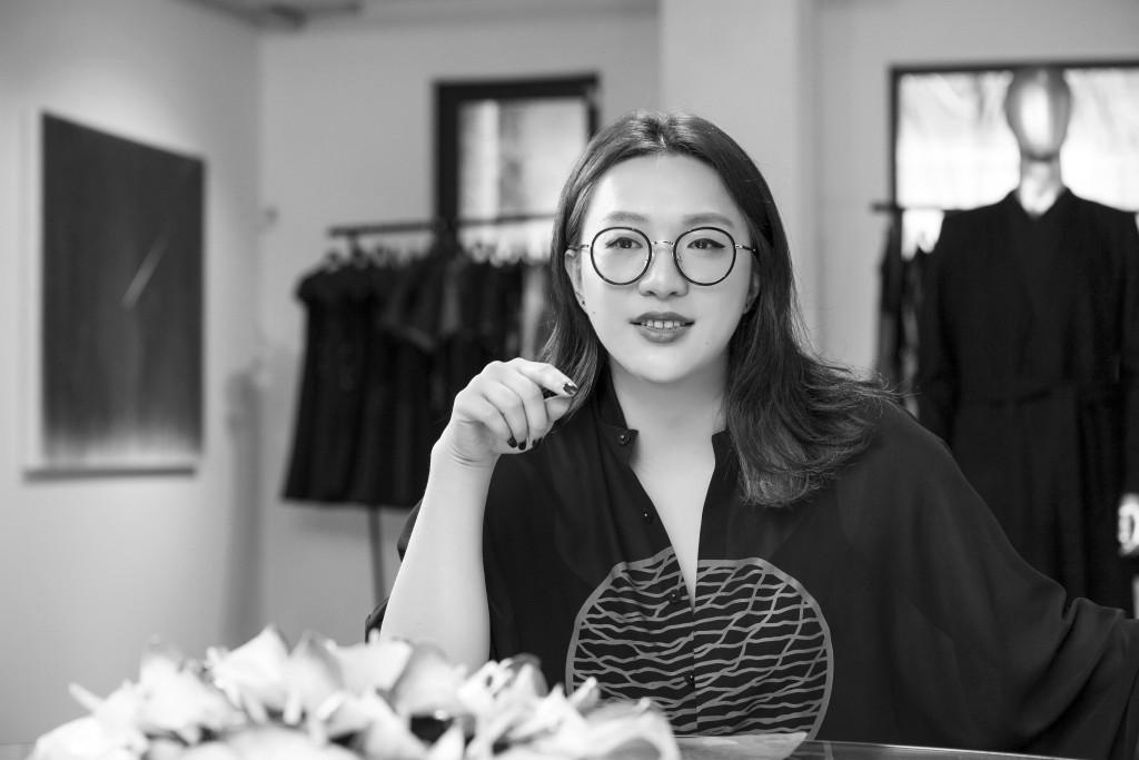 讀衣IV參與服裝設計師肖像 - 汪俐伶