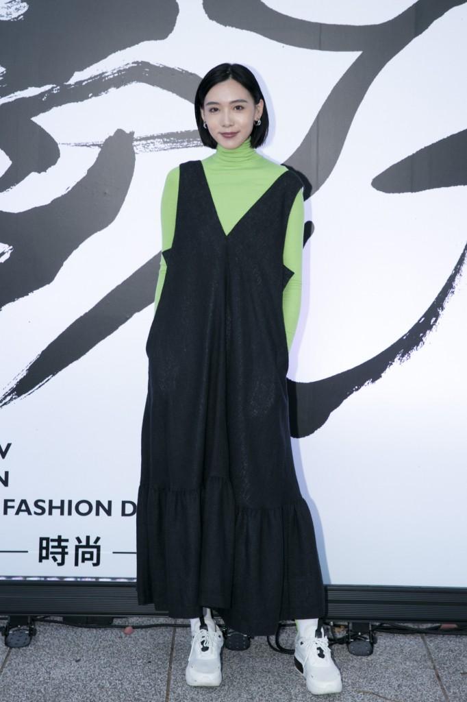 歌手隋伶出席讀衣IV藝術時尚跨界展開幕式