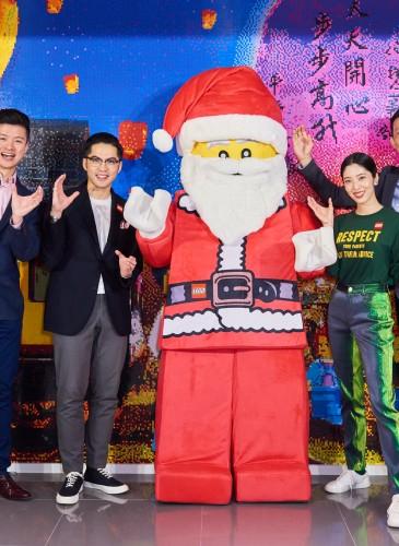 喜事集團執行長宋文、營運長宋安與台灣樂高品牌代表共同歡慶,全台首間樂高授權專賣