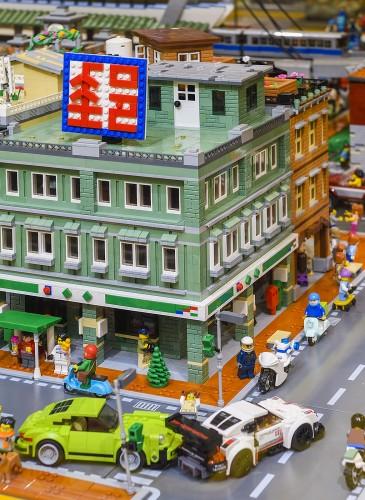 樂高授權專賣店「台北特色積木造景」運用樂高積木將台北郵局真實呈現