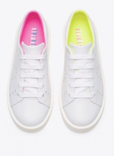 CAMPER Twins純白配螢光內裡休閒鞋,NT$6,980。(女鞋)
