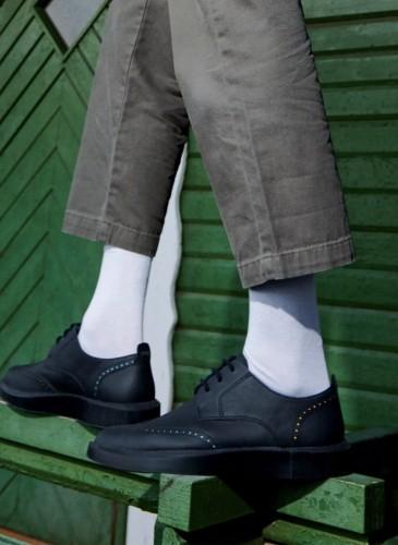 CAMPER Twins黑色藏亮色雕花皮鞋,NT$7,680。(男鞋) 形象圖