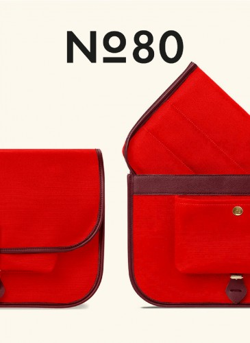 LUNIFORM No°80紅色小型攝影包,NT$36,500。-2