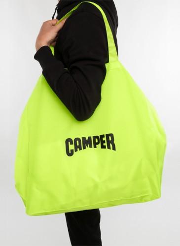 即日起,凡購買CAMPER 2020春夏季全新鞋款,滿萬元即可獲得一個CAMPER本季全新推出的「CAMPER Fluorescent Bag」超大型螢光黃色購物袋!