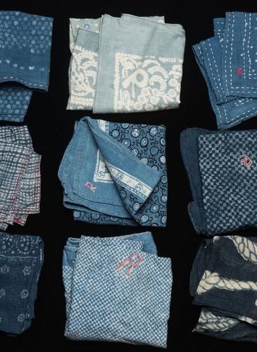 藍染的樸實與奢華。45R一直以來的樸實設計,藏有許多無比珍貴的奢華工藝,經過日本職人長時間調整藍染顏色的深淺度,2020春夏的藍染圖騰,更具有豐富的層次感!