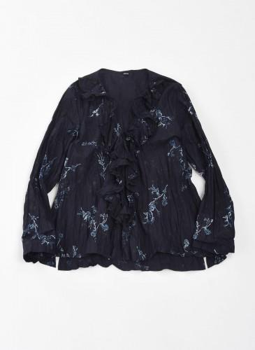45R INDIGO花柄圖騰荷葉領上衣,NT$25,200。