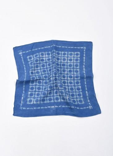 45R INDIGO藍染印花方巾,NT$4,800。-2