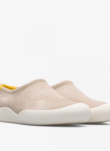 CAMPER 2020春夏全新款Sako棕色套穿鞋,NT$6,980。(女鞋) 1