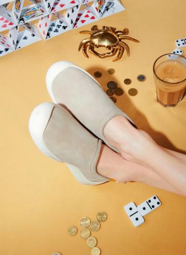 CAMPER 2020春夏全新款Sako棕色套穿鞋,NT$6,980。(女鞋) 2