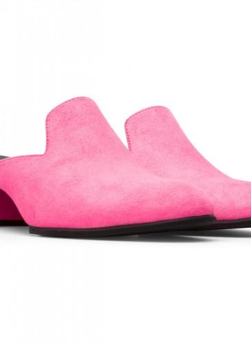 CAMPER Katie系列螢光粉紅色低跟便鞋,NT$7,980。-2