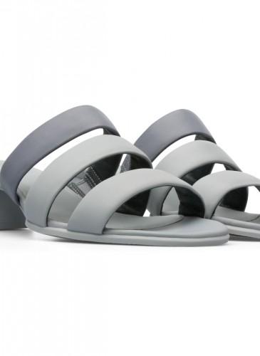 CAMPER Katie Sandal系列灰色低跟涼拖鞋,NT$6,480。-2